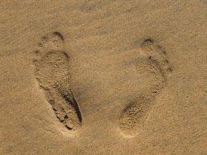 Трагови у песку